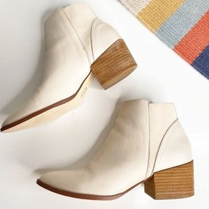 Chinese Laundry | Finn Ecru Pointed Toe Ankle Boot